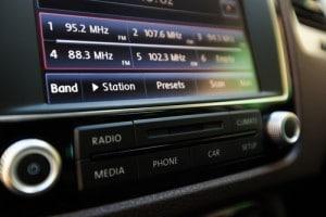 car-accessories-bluetooth-radio
