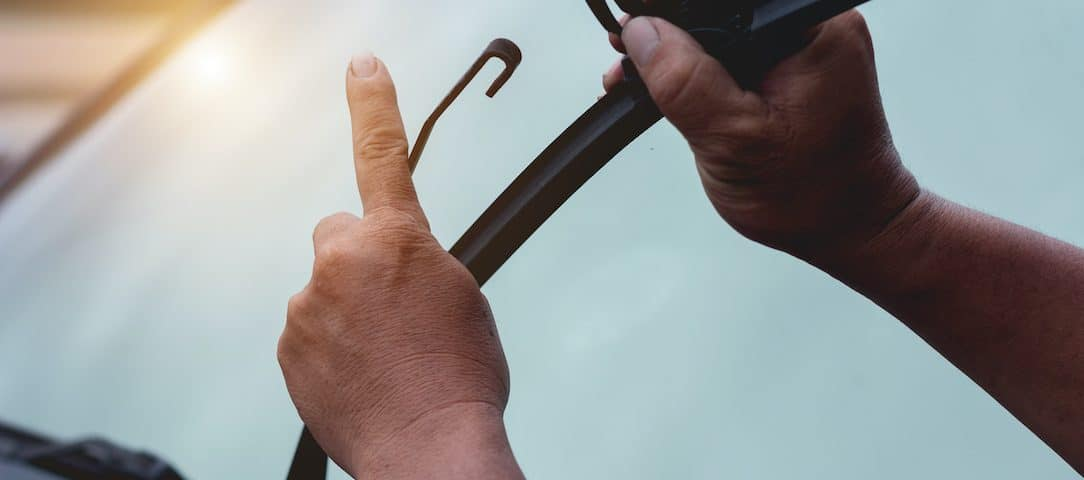how-to-replace-windshield-wipers